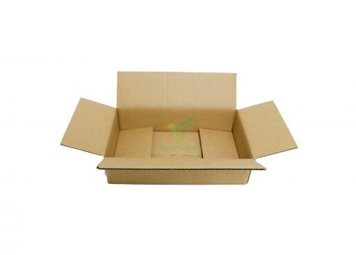 hop carton dong hang 25 15 6jpg 03 scaled Hộp carton 25x15x6cm