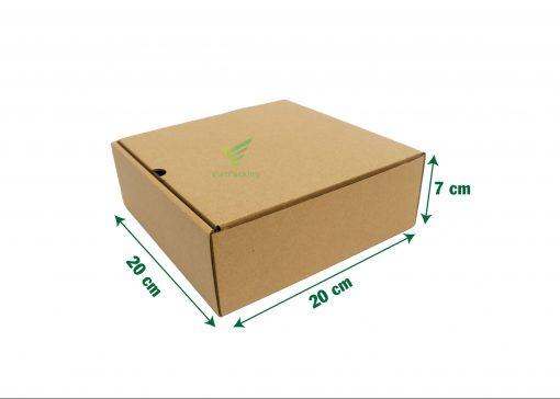 hop carton nap gai 20 20 7 04 scaled e1602733518184 Hộp carton nắp gài 20x20x7cm